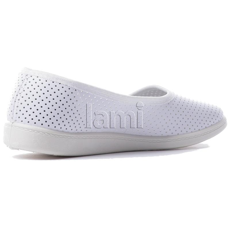 Белые туфли Перфорация вид сбоку
